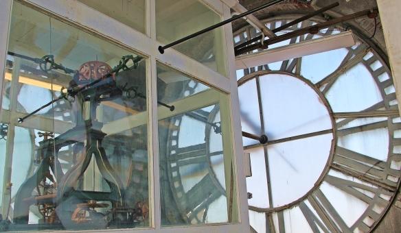 clock 037