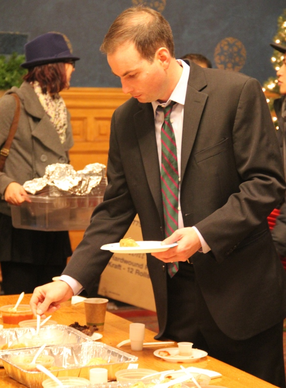 Mayor Murphy digging into the food